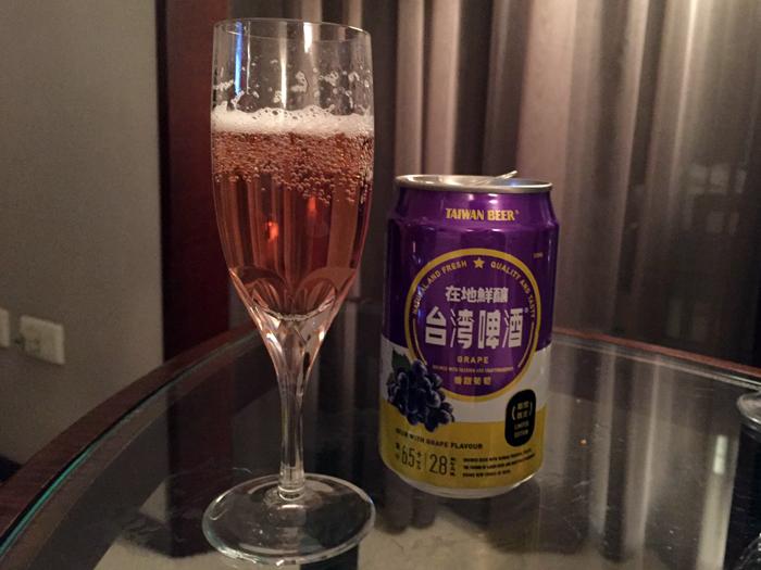 【台湾お土産】フルーツビール「マンゴー味」と「グレープ味」