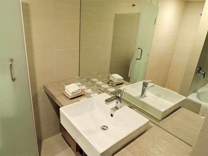 手洗い場も広々として使いやすいです。