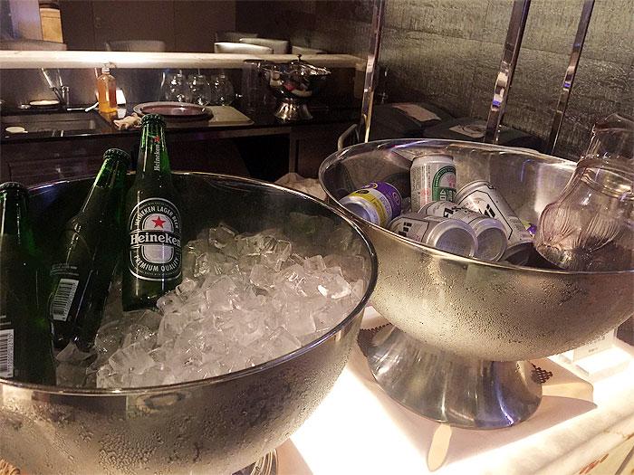 ハイネケン、アサヒビール、台湾ビールなどがキンキンに冷えてました。