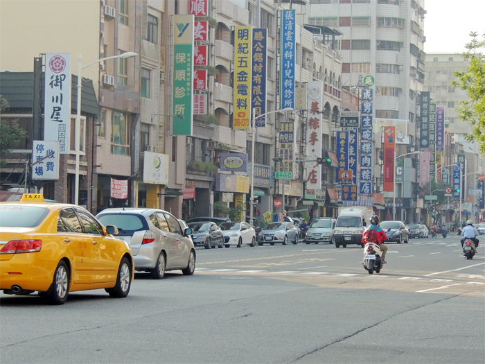 街でタクシーを利用するときの注意点は?トラブルを避けるための対策を紹介します。