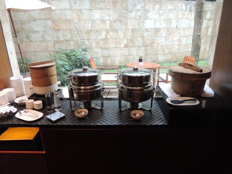 レスイーツ台北 チンチェンの朝食は蒸し料理や白ご飯なども用意されていまs。