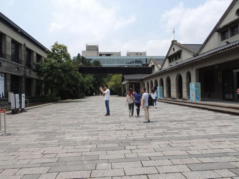 日本統治時代に建てられたタバコ工場跡地をリノベーションした松山文創園区